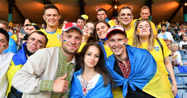 Україна перемогла Швецію у Євро-2020: реакція зірок та підтримка фанів